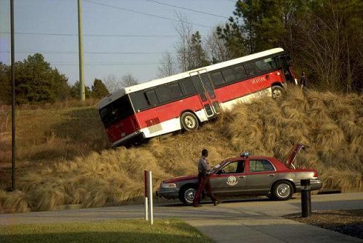 bus-goes-off-road