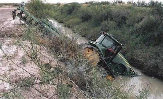 tractors_fail_04